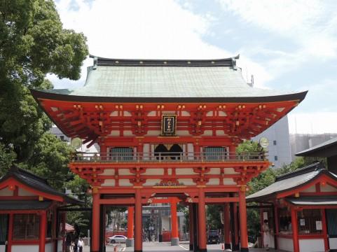 お寺の鳥居