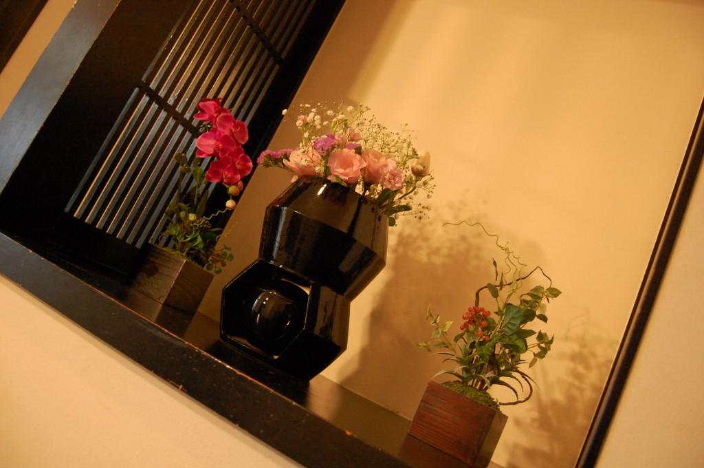 心繋の商品設置イメージ,玄関に置き、他のお花と一緒に設置をするととても華やかなインテリアとして設置出来る