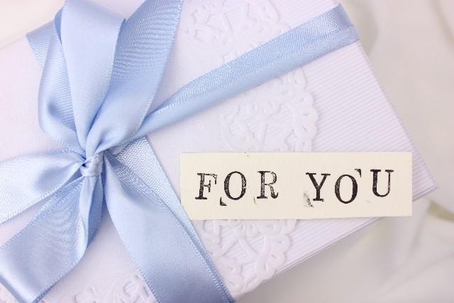 プレゼントの箱の写真